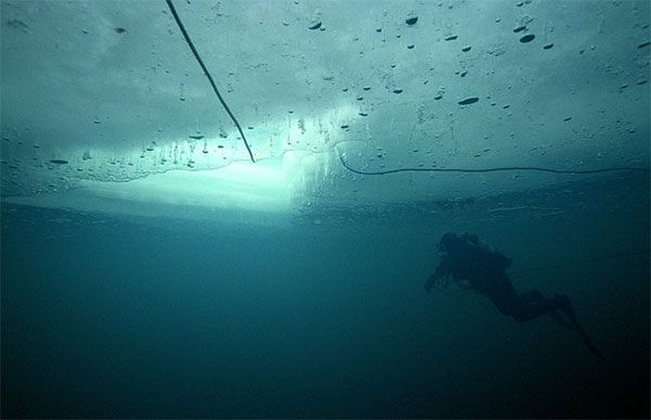 Buceo bajo hielo en España